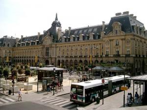 Rennes, le palais du commerce. Photo de Guytou35