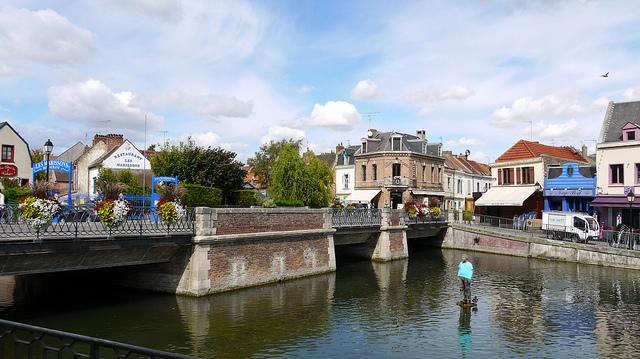 Amiens, Le pont de la Dodane. Photo M.T. Hebert & J.R. Thibault